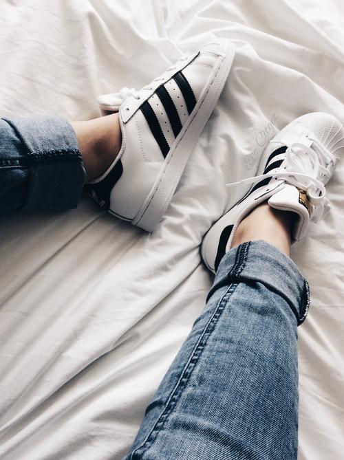 Почему в Америке дома ходят в обуви