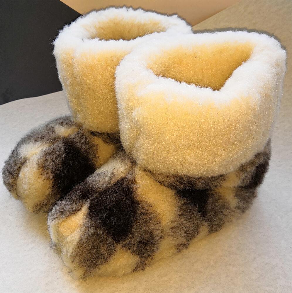 Мужские комнатные тапочки-сапожки на овчине Polmar 1001-08b 42/43 размера. Коричневого цвета.